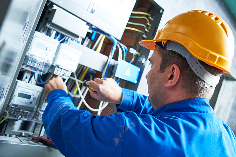 Become An Electrician in Crawley West Sussex