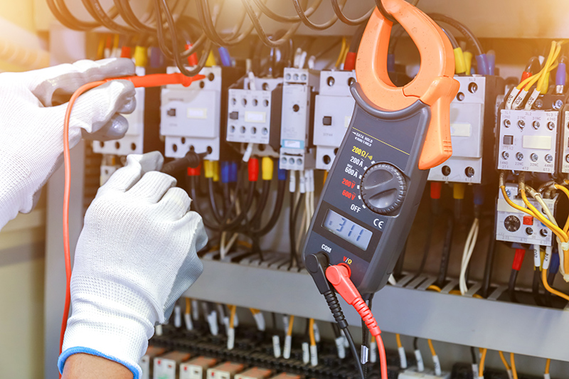 How To Become An Electrician in Crawley West Sussex